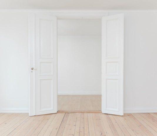 Wie hoch liegen die Türen lackieren Kosten im Schnitt?